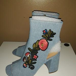 Womens light blue denim shoes